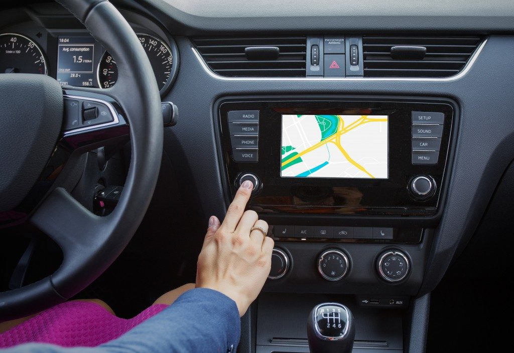 Navigation system controlled by the driver