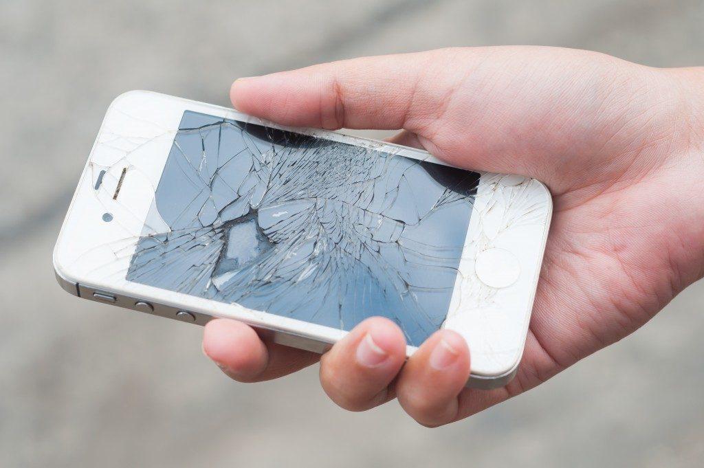 broken screen of smarthphone