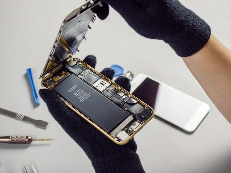 internals of smartphone